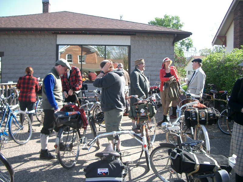 Bikes / The Lake Pepin 3-Speed Tour: High Adventure Indeed